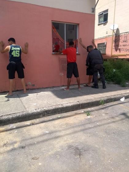 Polícia Militar realiza operação no bairro Roma em Volta Redonda