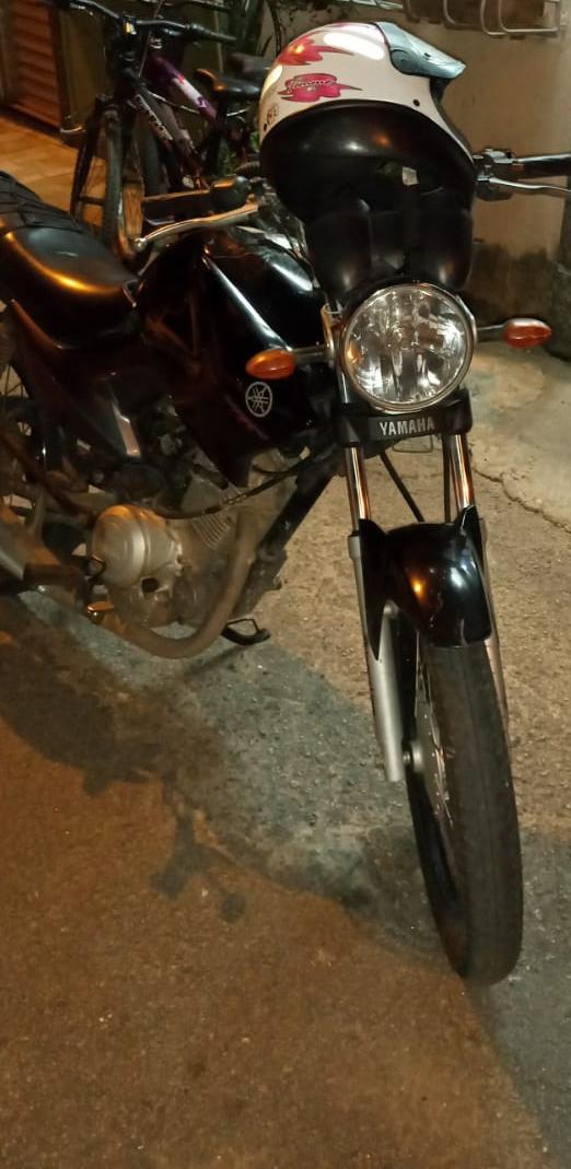 PMs apreendem trio suspeito de furto de motocicleta em Volta Redonda.