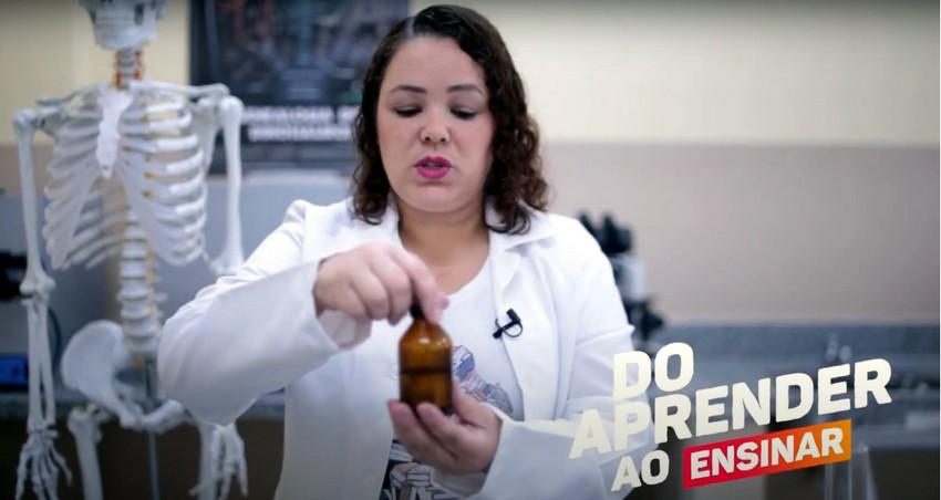 Professora da rede municipal de Barra Mansa garante primeiro lugar em Feira Brasileira de Ciências