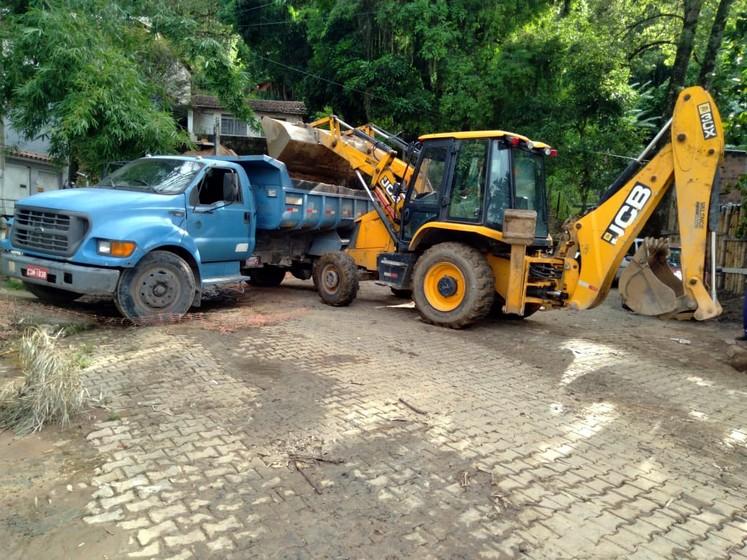 Prefeitura de Barra Mansa realiza serviços de manutenção em diversos bairros